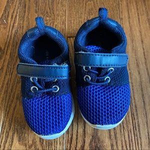 💥5/$25 Joe Fresh kids runners in size 4